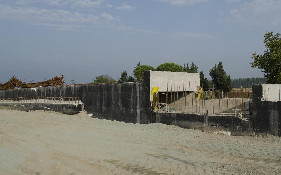 Ολοκλήρωση των υπολειπόμενων εργασιών υποδομής της Νέας Χάραξης της Σ.Γ. Θεσσαλονίκης - Ειδομένης, κατασκευή κτιριακών επεμβάσεων του νέου Σ.Σ. Πολυκάστρου και της Σ.Σ. Μ. Δάσους, καθώς και επεμβάσεις επί του υφιστάμενου Σ.Σ. Ειδομένης