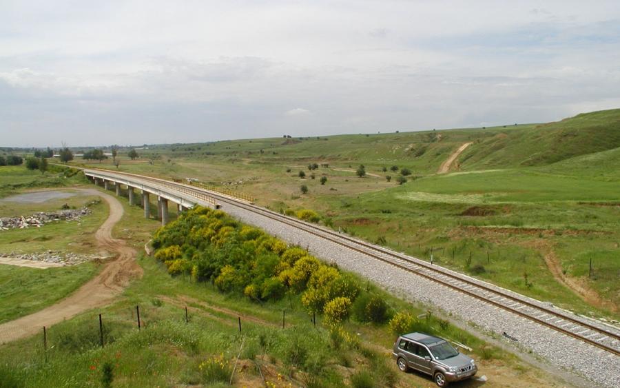 Ολοκλήρωση εργασιών υποδομής και επιδομής της παραλλαγής, στο Γαλλικό ποταμό από Χ.Θ. 16+426 έως Χ.Θ. 21+910 της Σ.Γ. Θεσσαλονίκης - Αλεξανδρούπολης